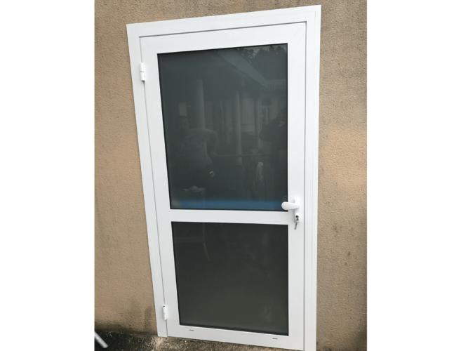 menuiserie patrick couton parempuyre produits services portes exterieur diapo 09 e1604245002235 - Portes d'entrée