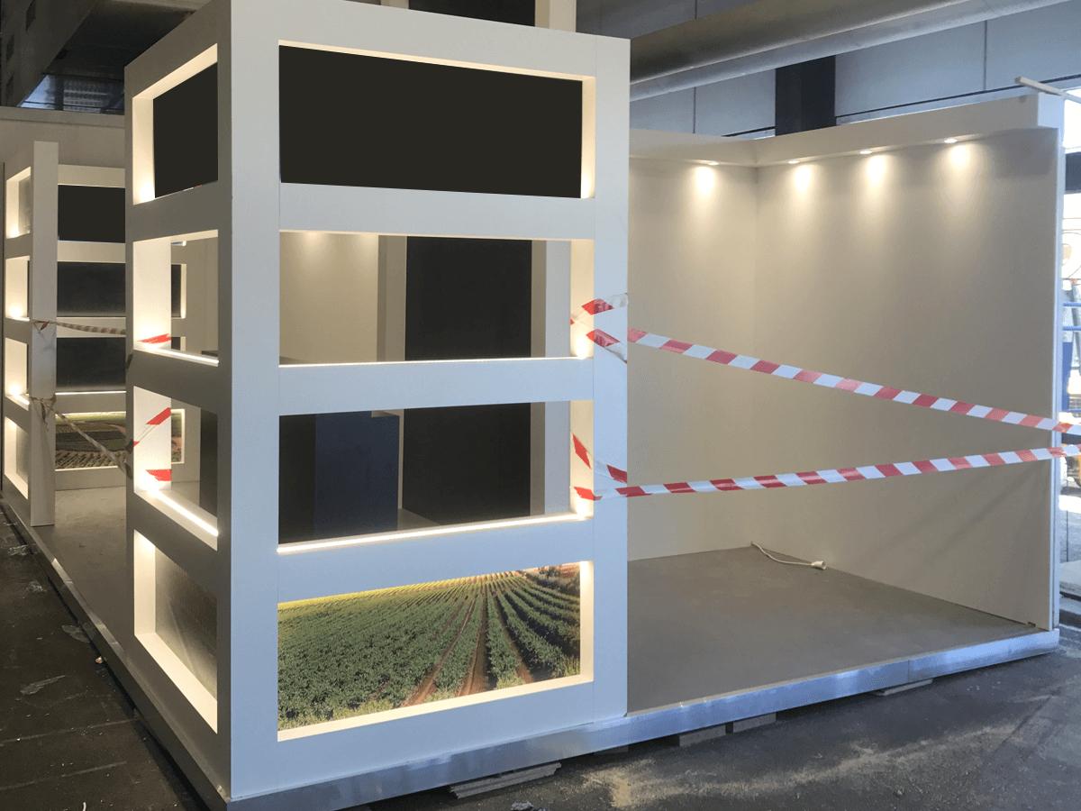 menuiserie patrick couton parempuyre produits services stands diapo 05 - Stands d'exposition