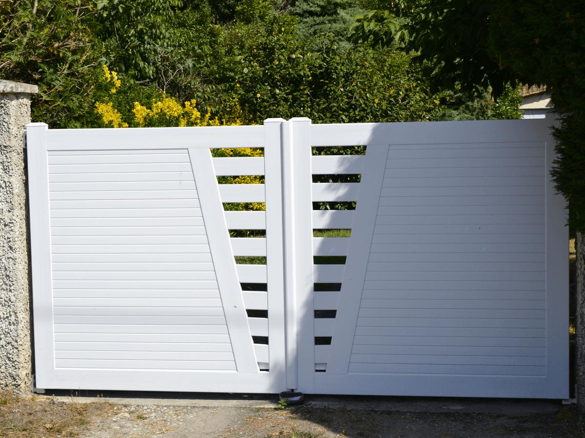 menuiserie patrick couton parempuyre produits services portails cloture diapo 01 - Portails et Clôtures (Partenaire CADIOU)