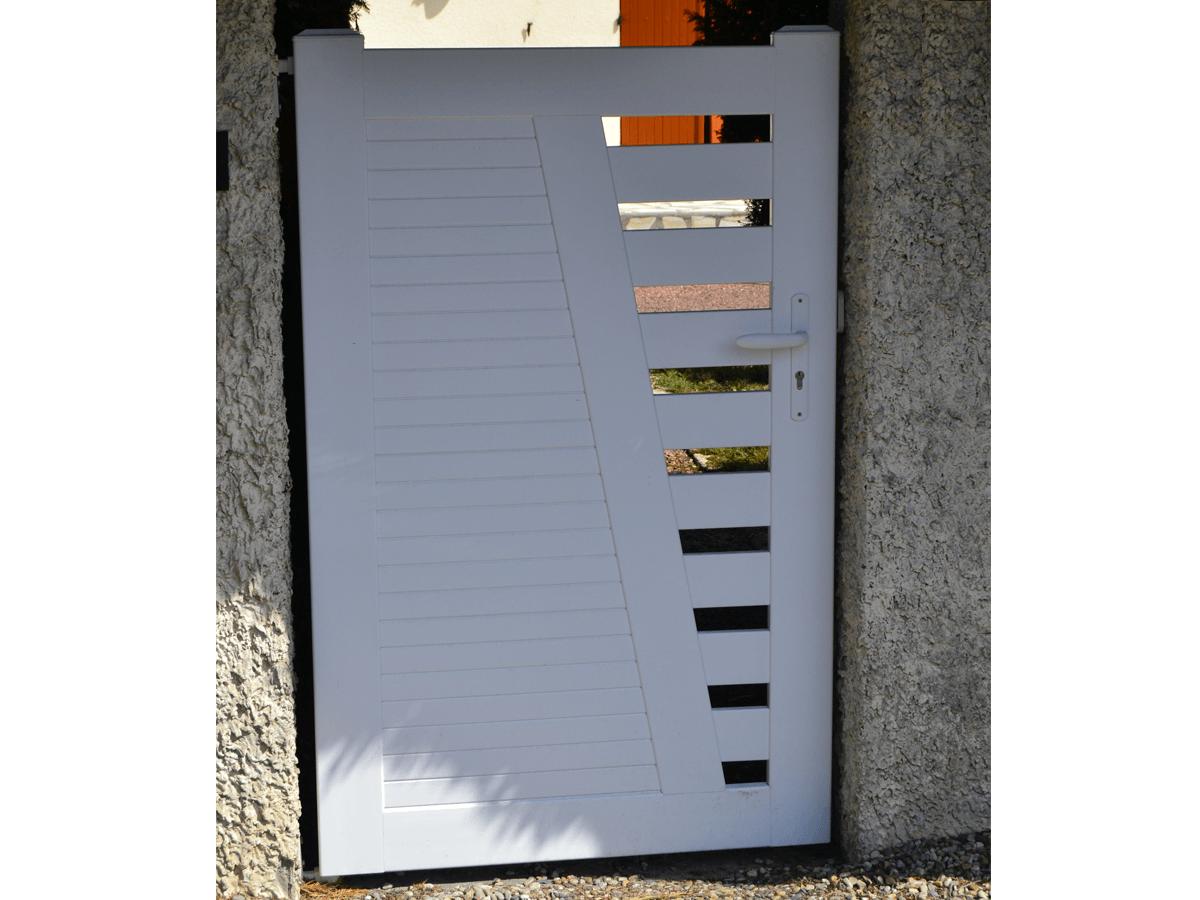 menuiserie patrick couton parempuyre produits services portails cloture diapo 02 - Portails et Clôtures (Partenaire CADIOU)
